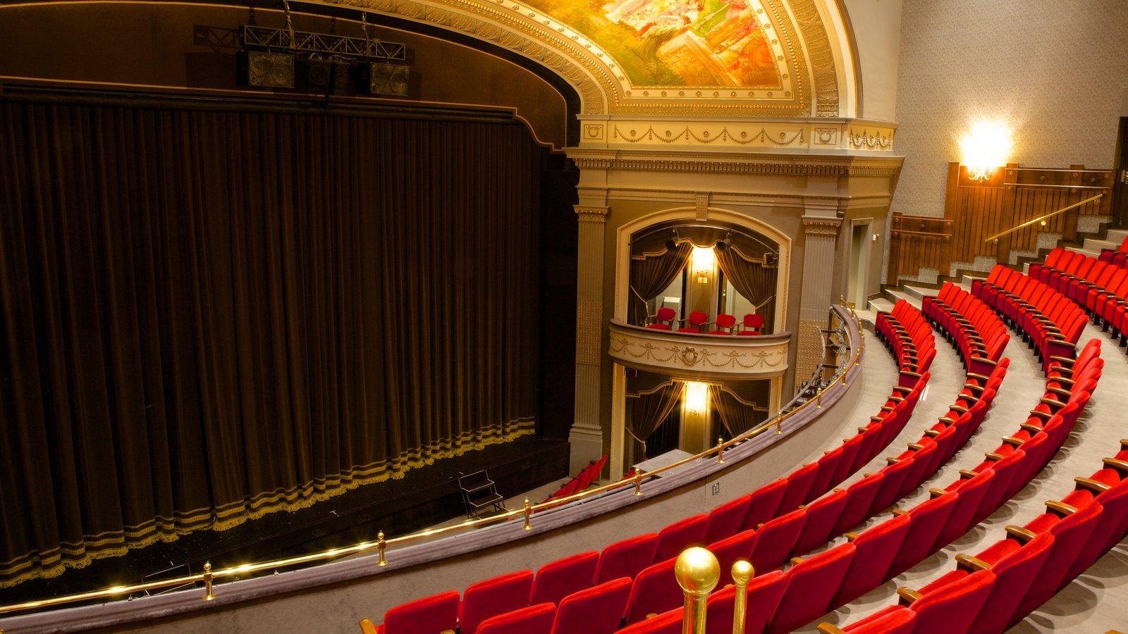 Grand Theatre que incluye escenas de teatro y vistas interiores