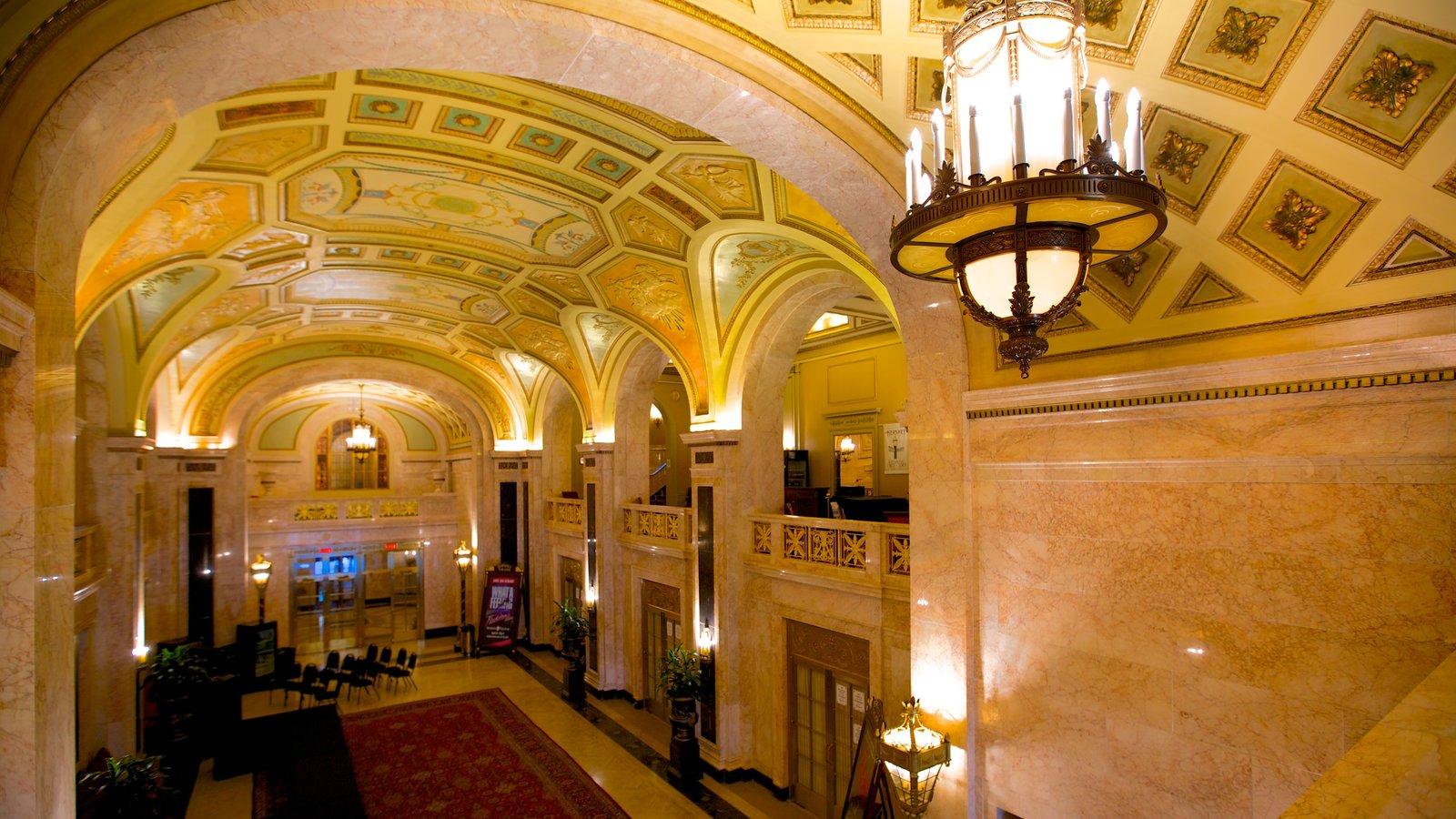 Hershey Theater que inclui vistas internas, cenas de teatro e arquitetura de patrimônio