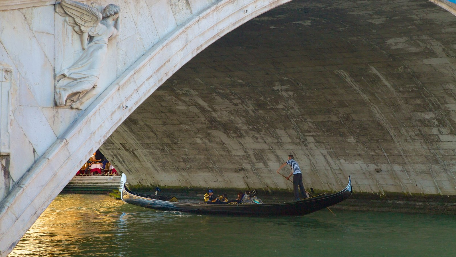 Venice which includes kayaking or canoeing and a river or creek