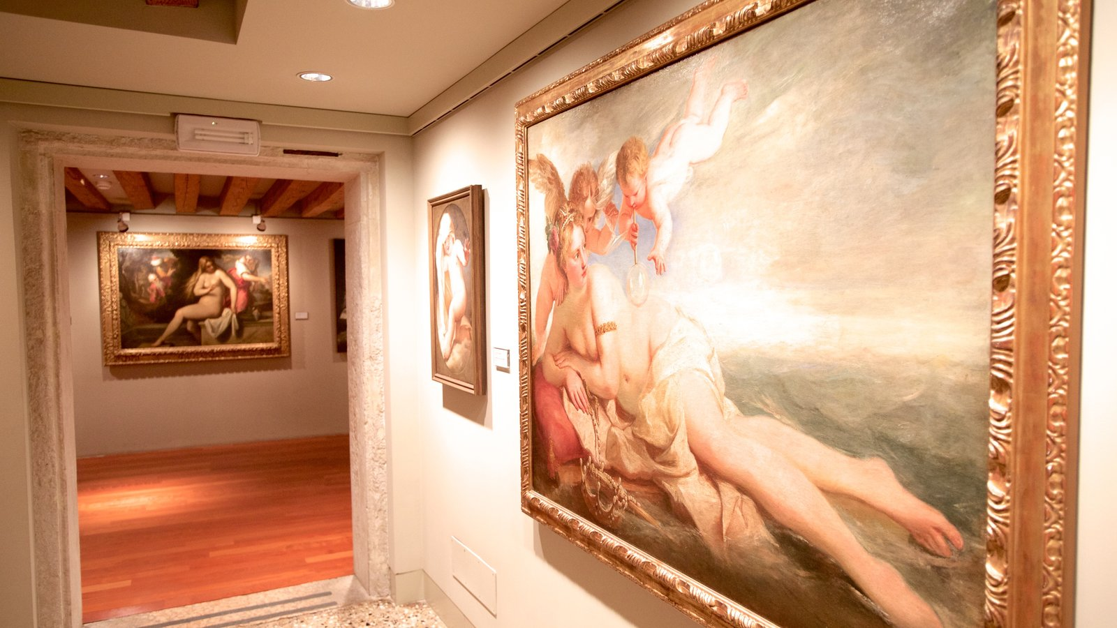 Ca\' Rezzonico caracterizando arte e vistas internas