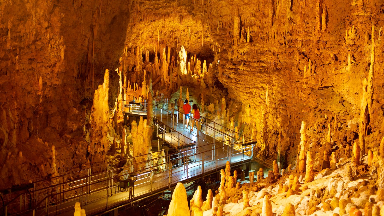 Okinawa featuring caving, interior views and caves