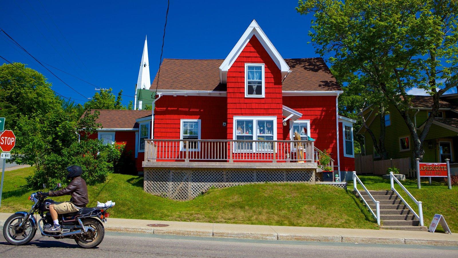 Baddeck caracterizando cenas de rua e uma casa