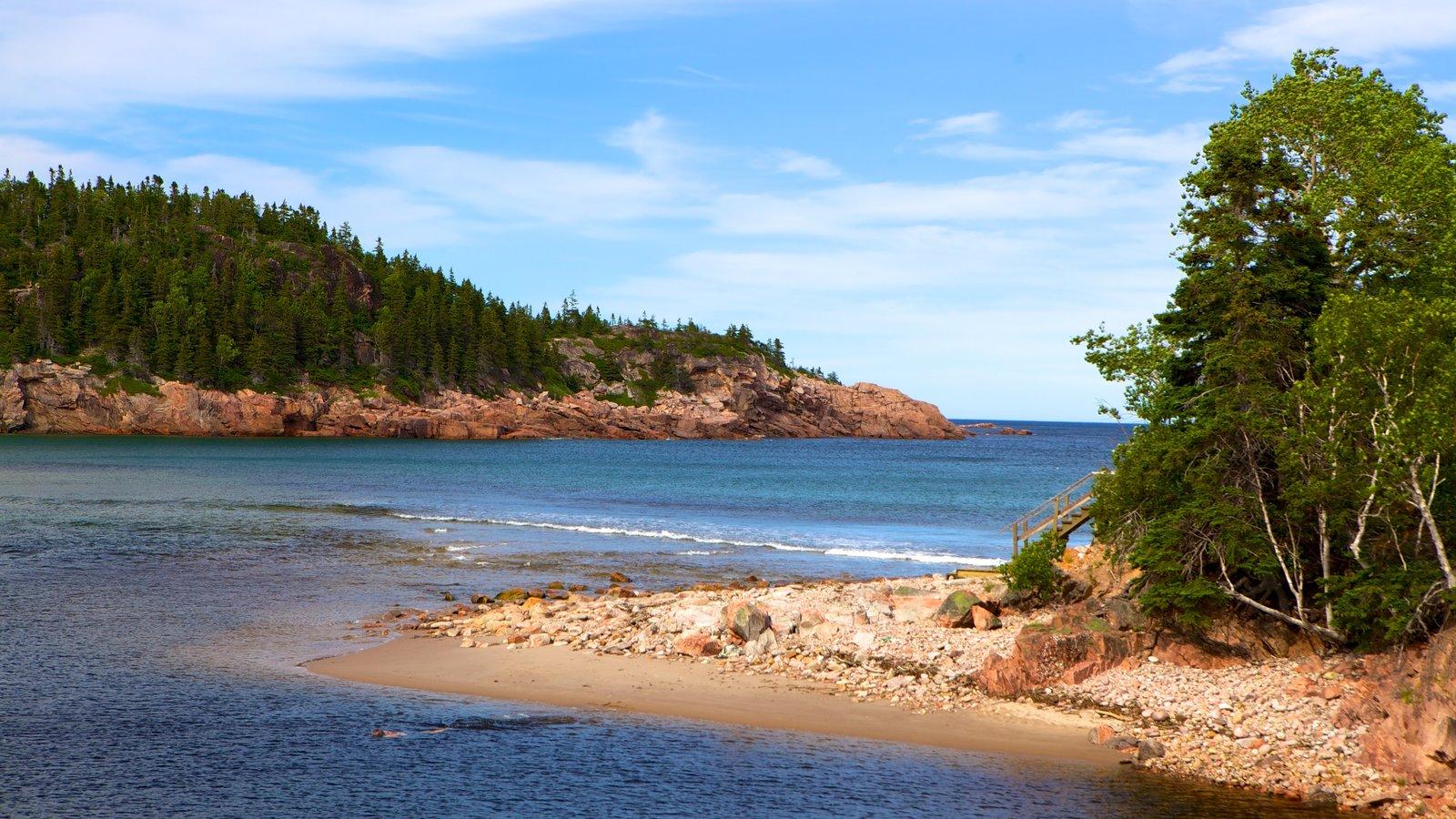 Cape Breton Highlands National Park caracterizando litoral acidentado