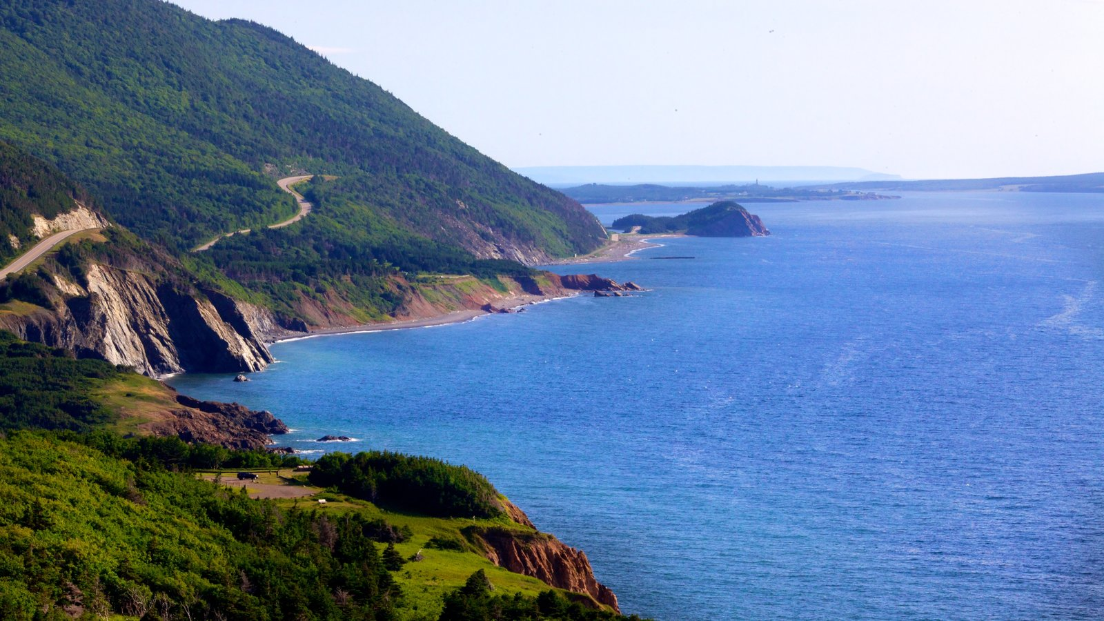 Cape Breton Highlands National Park que incluye costa escarpada
