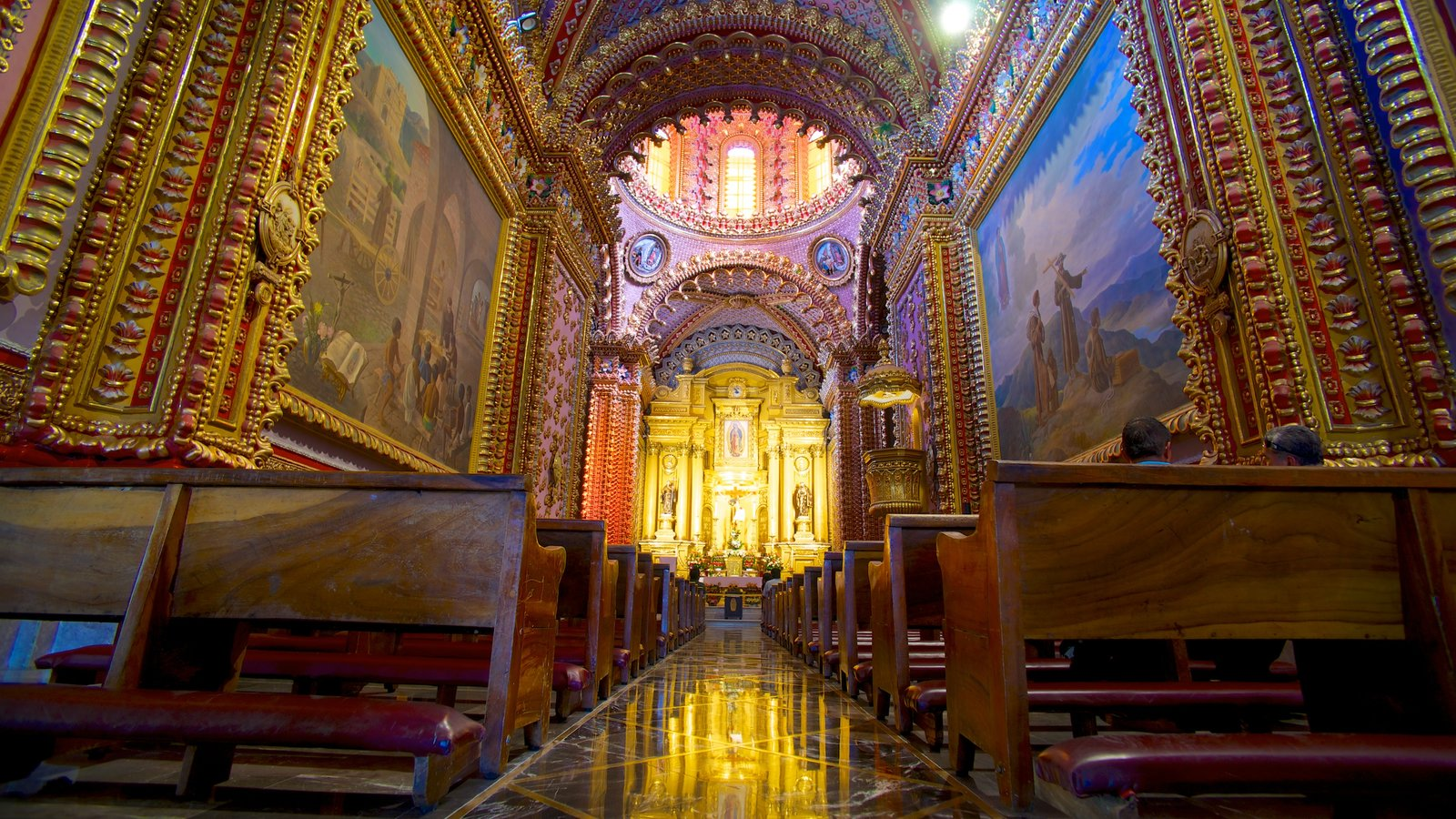 Morelia showing religious aspects, a church or cathedral and interior views