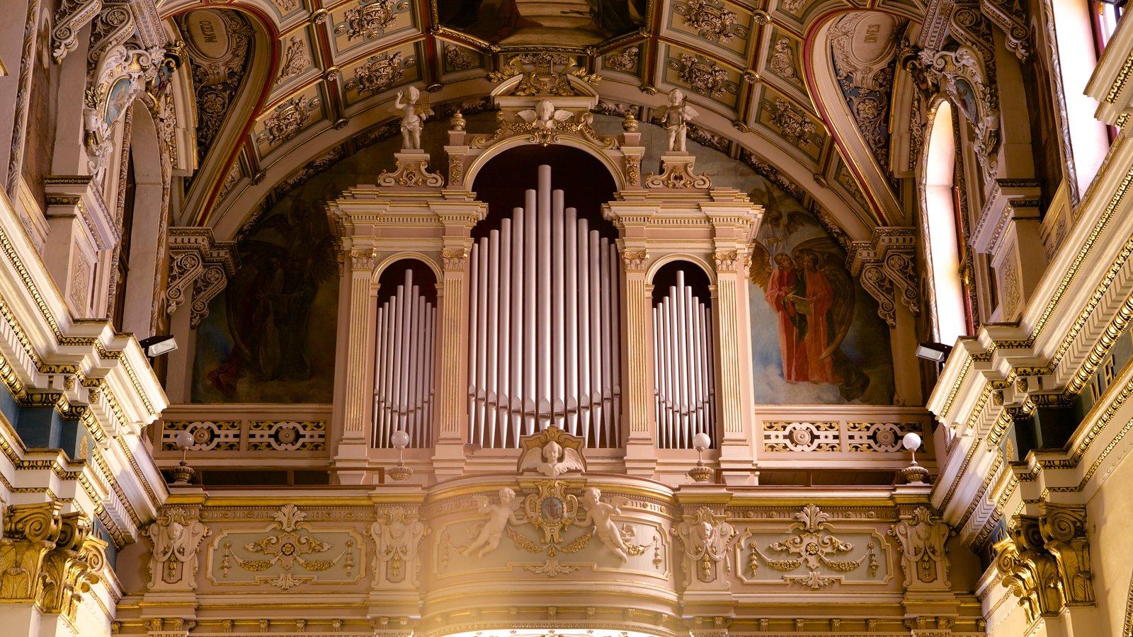 La Valeta ofreciendo aspectos religiosos, una iglesia o catedral y vistas interiores