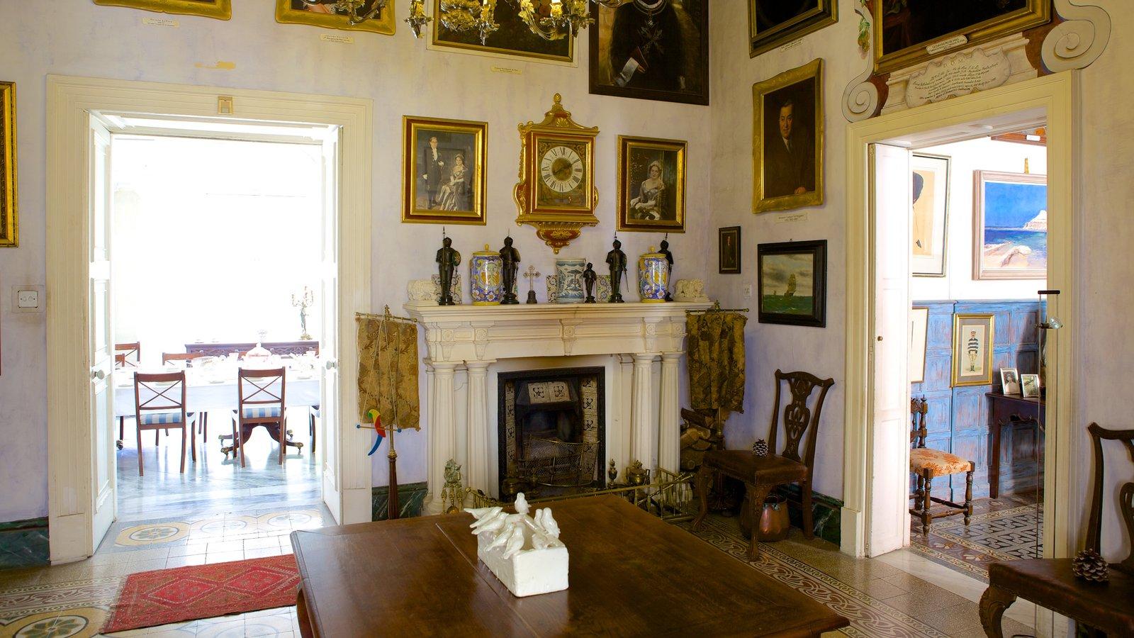 Casa Rocca Piccola mostrando vistas internas