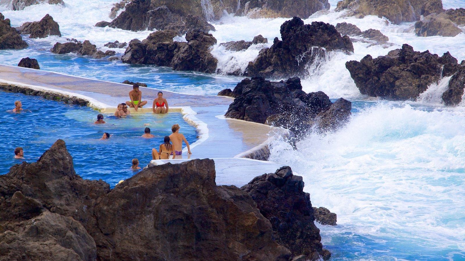 Fotos de piscinas naturales de porto moniz ver fotos e for Piscinas naturales cerca de valladolid