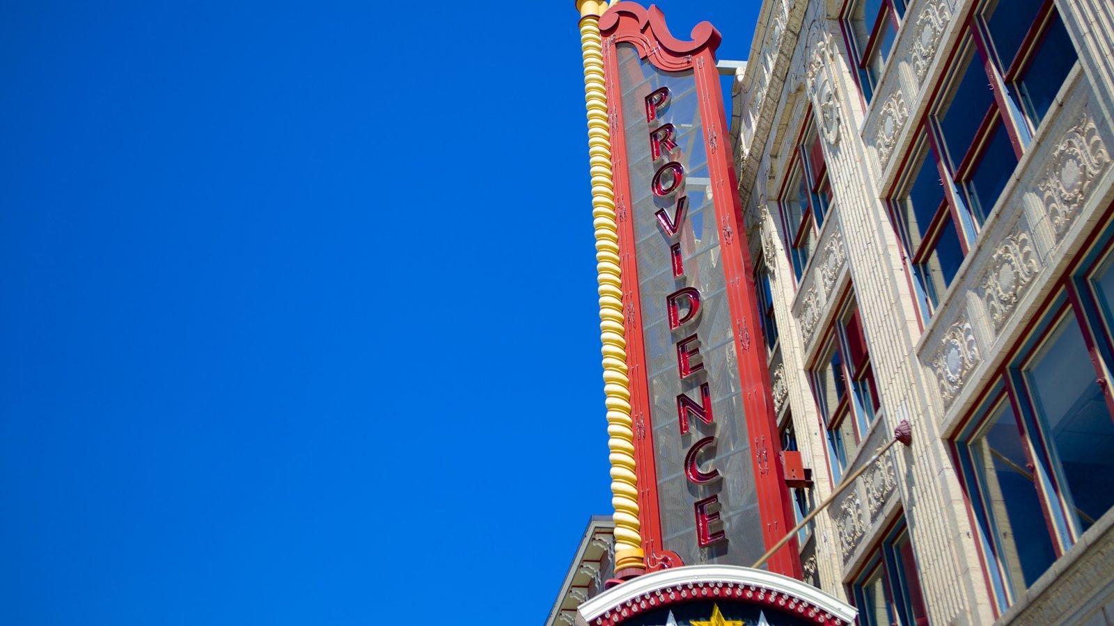 Providence Performing Arts Center ofreciendo señalización