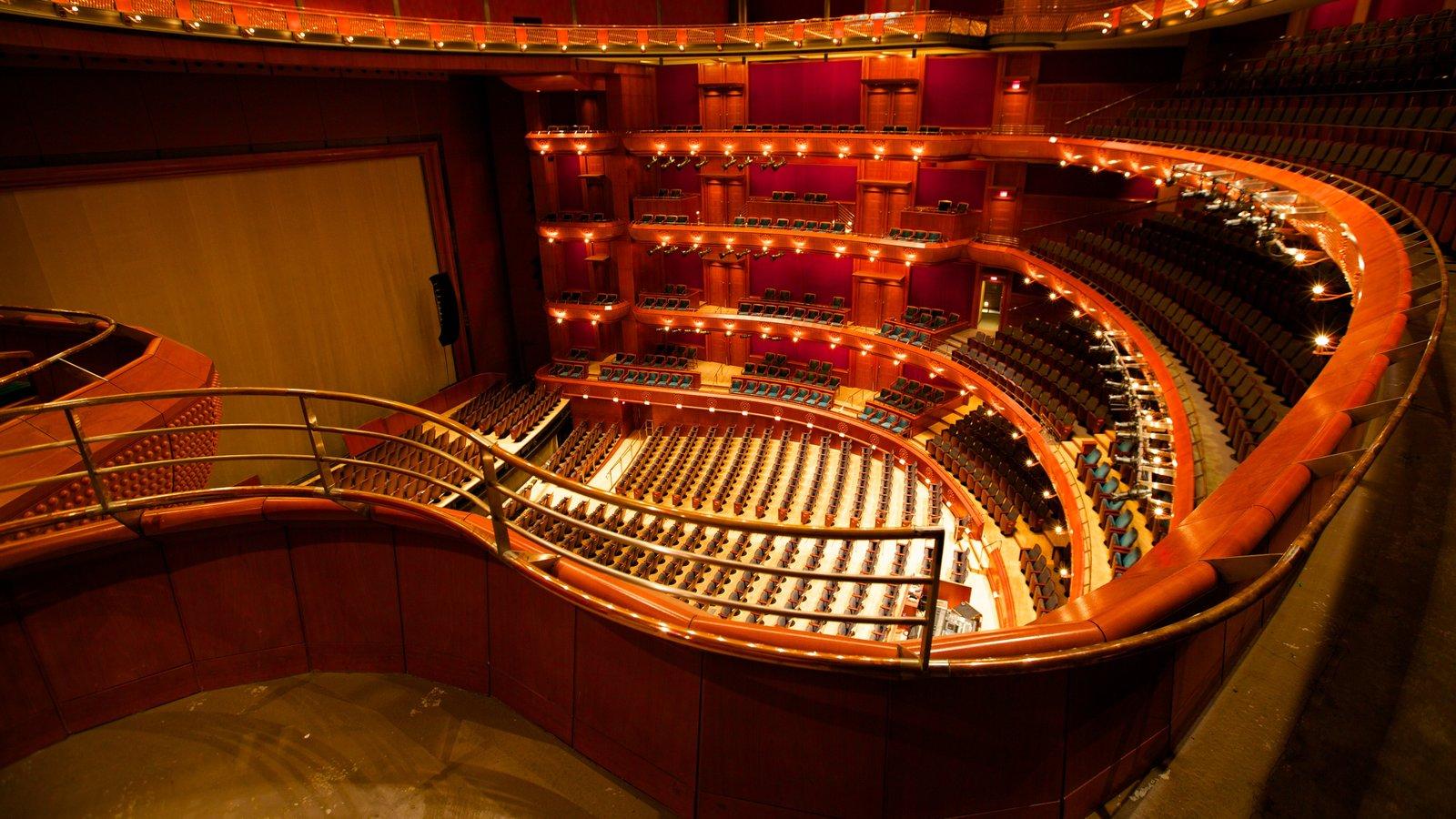 New Jersey Performing Arts Center que inclui vistas internas, arquitetura moderna e cenas de teatro