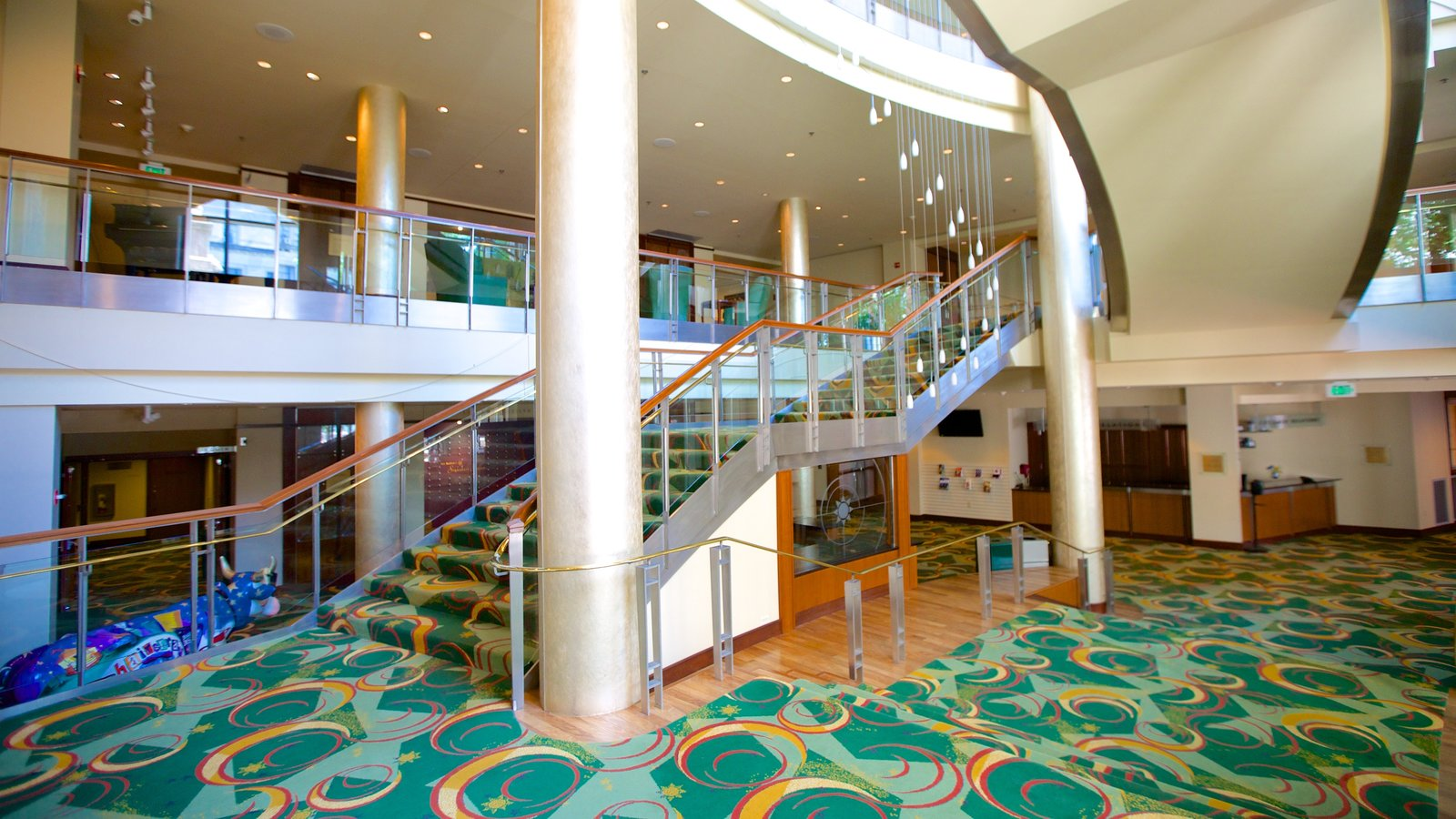 Bushnell Center for the Performing Arts mostrando vistas interiores