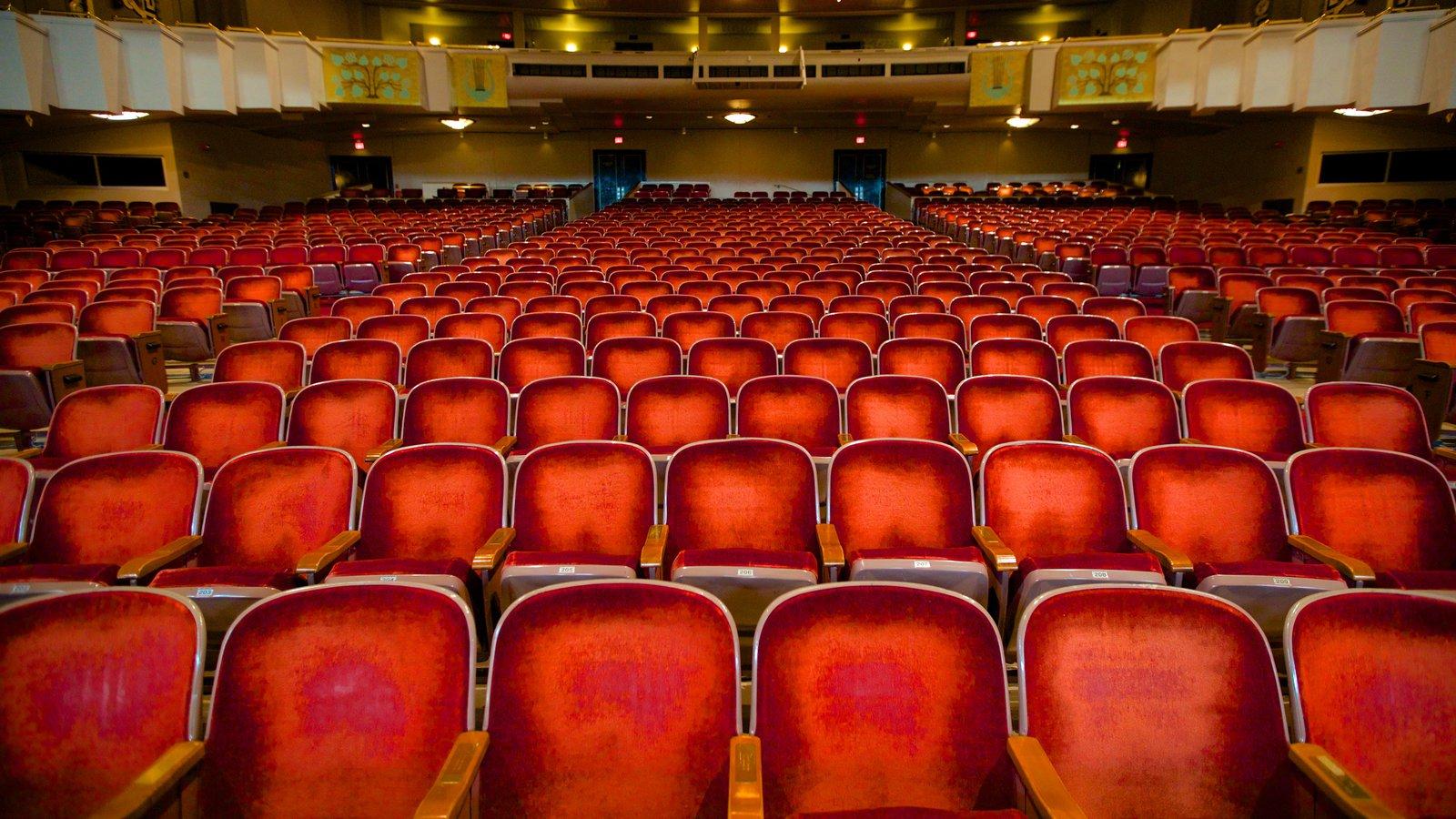 Bushnell Center for the Performing Arts que incluye vistas interiores y escenas de teatro