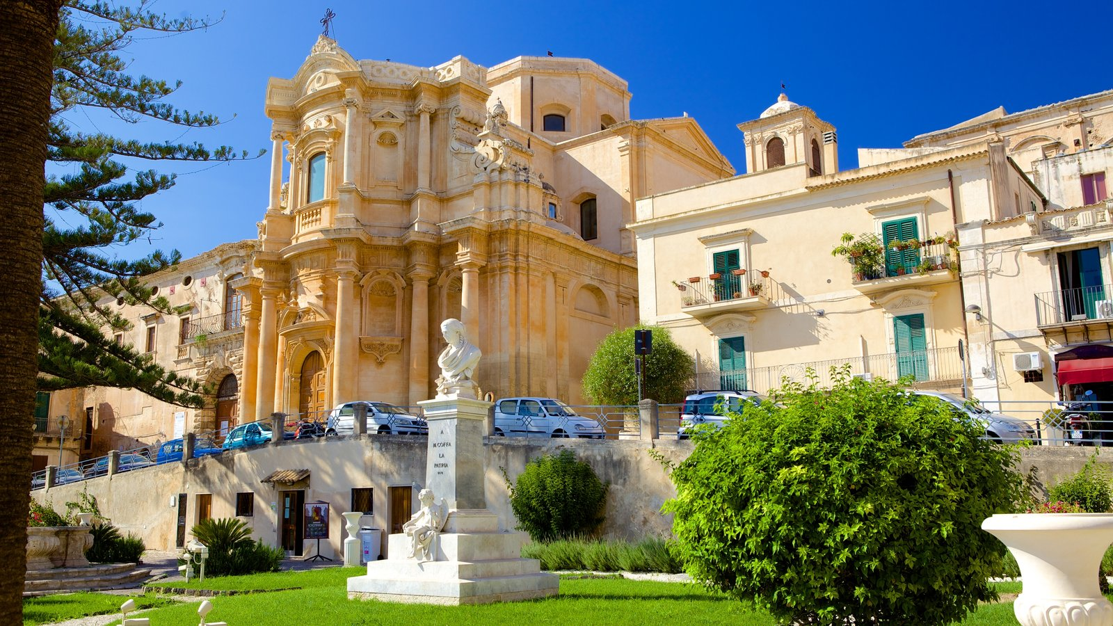 Noto featuring heritage elements and a castle