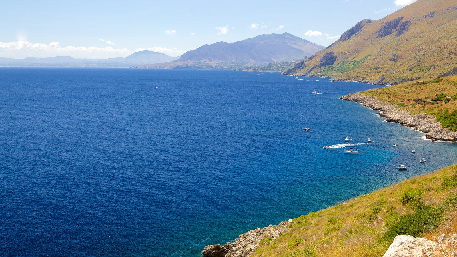Praia do Zingaro caracterizando paisagem, litoral rochoso e paisagens litorâneas