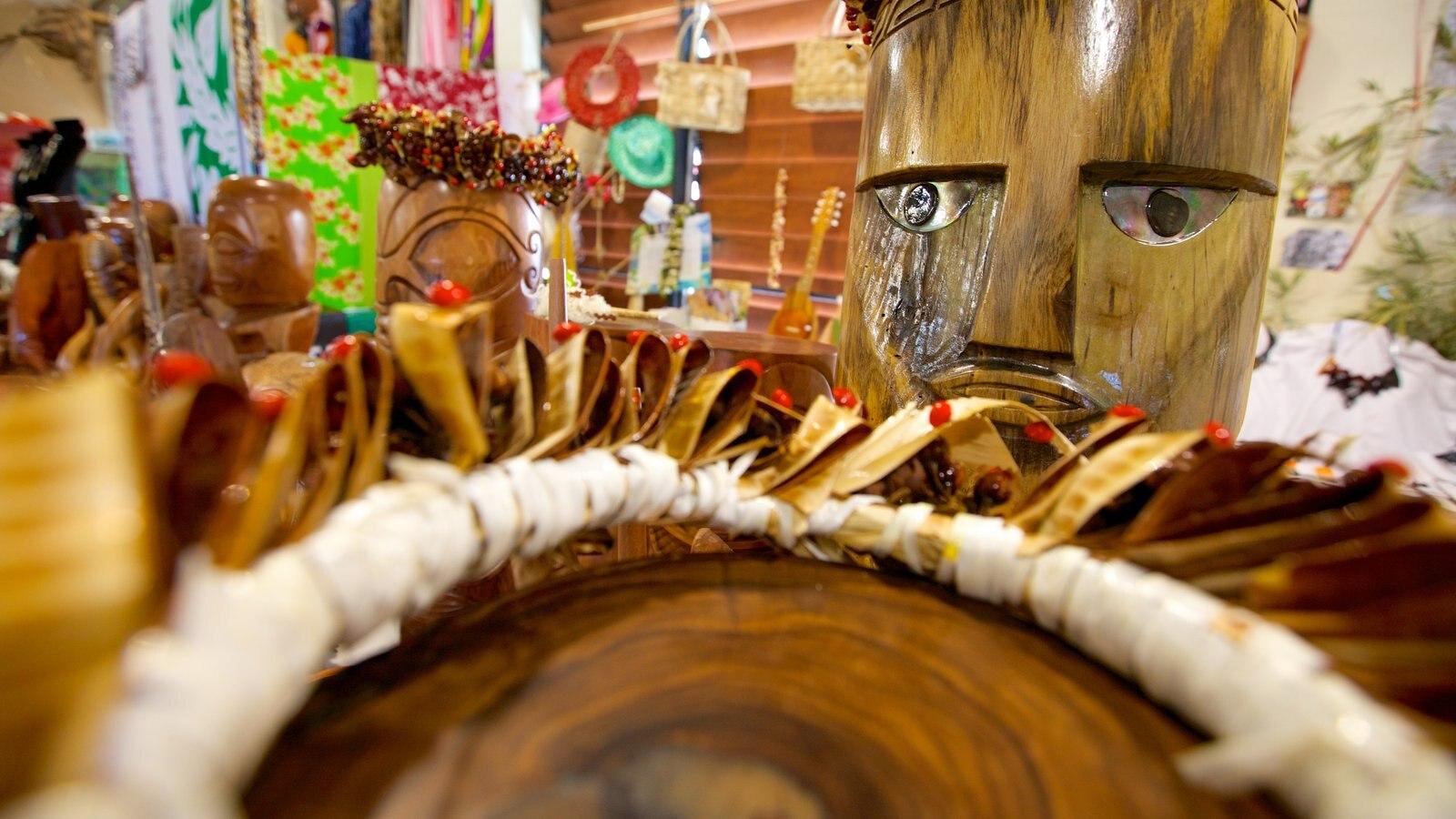 Uturoa caracterizando compras e cultura nativa