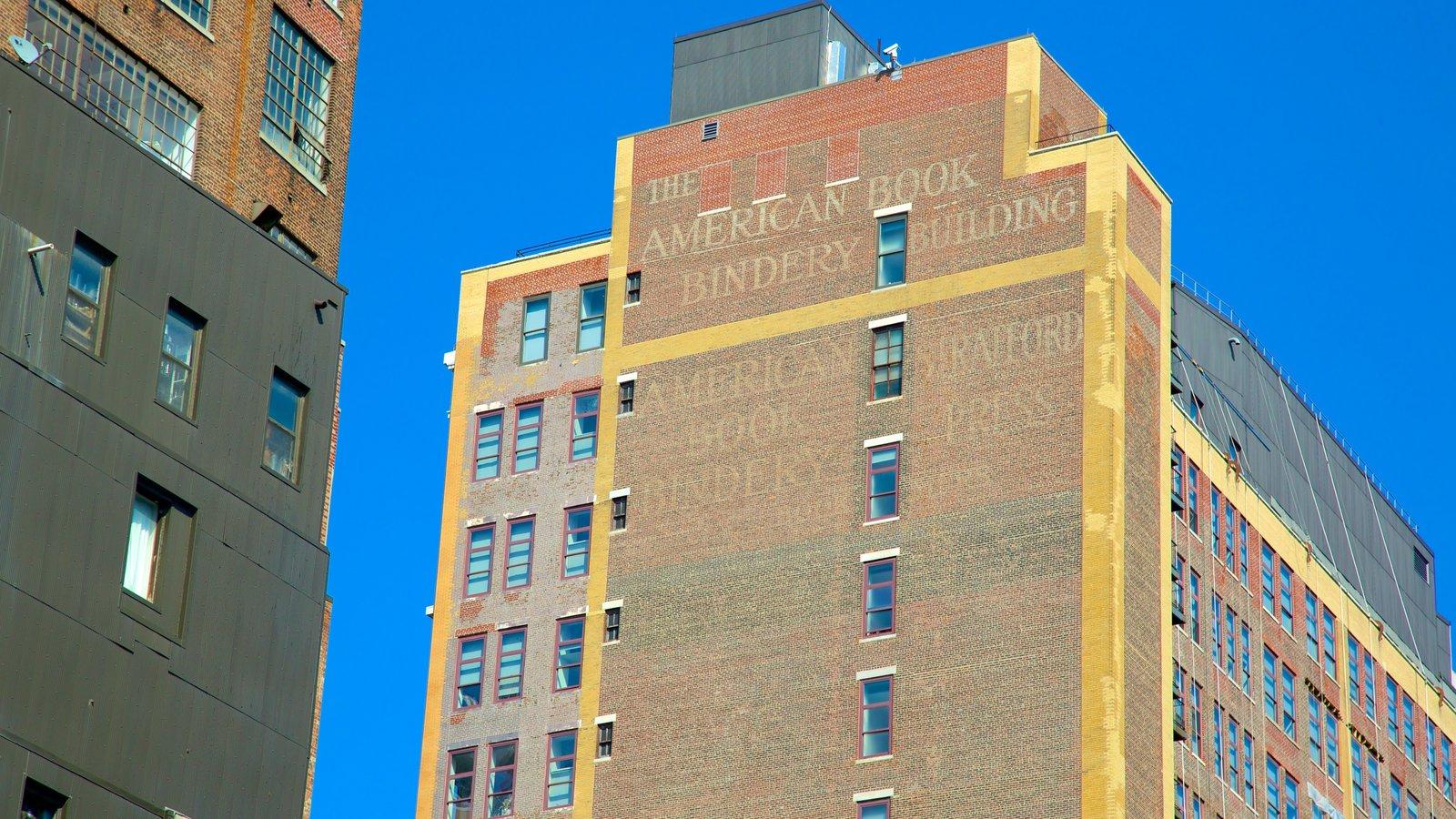The High Line Park caracterizando sinalização e uma cidade