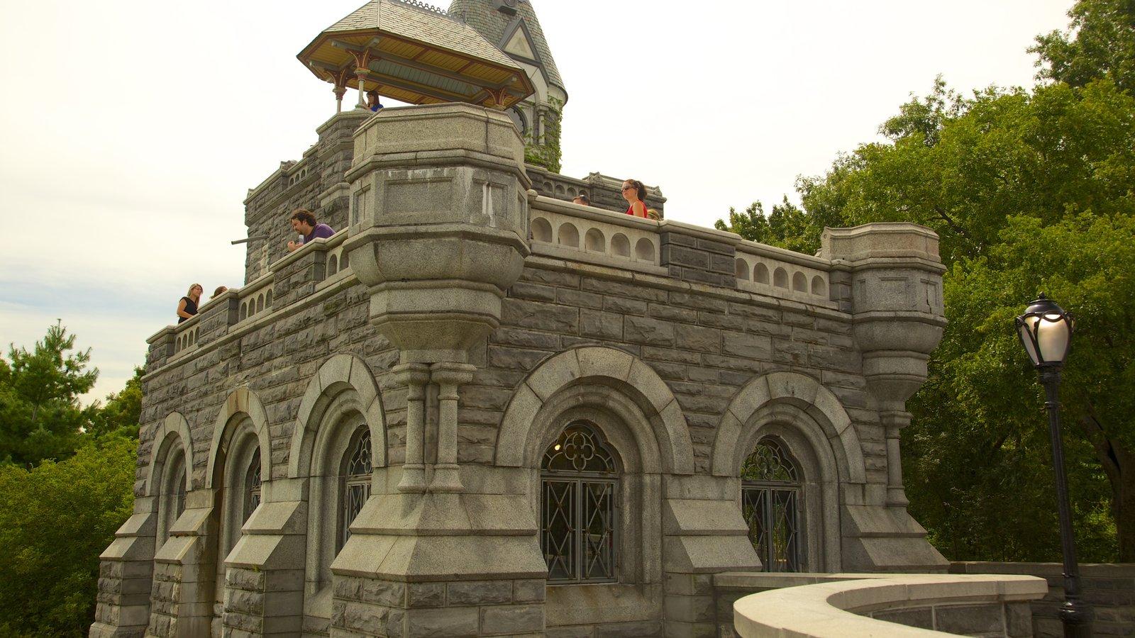 Belvedere Castle mostrando um pequeno castelo ou palácio
