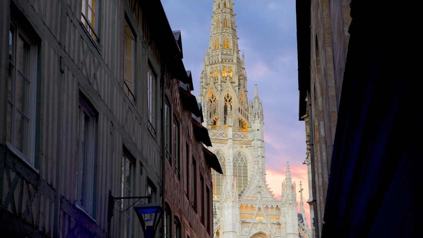 Rouen showing a church or cathedral