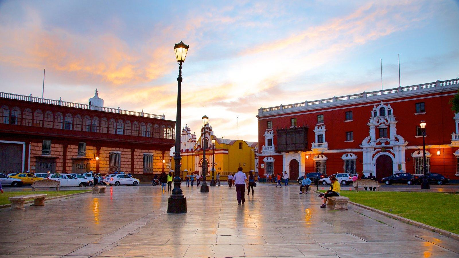 Trujillo Plaza de Armas featuring street scenes, a square or plaza and a city