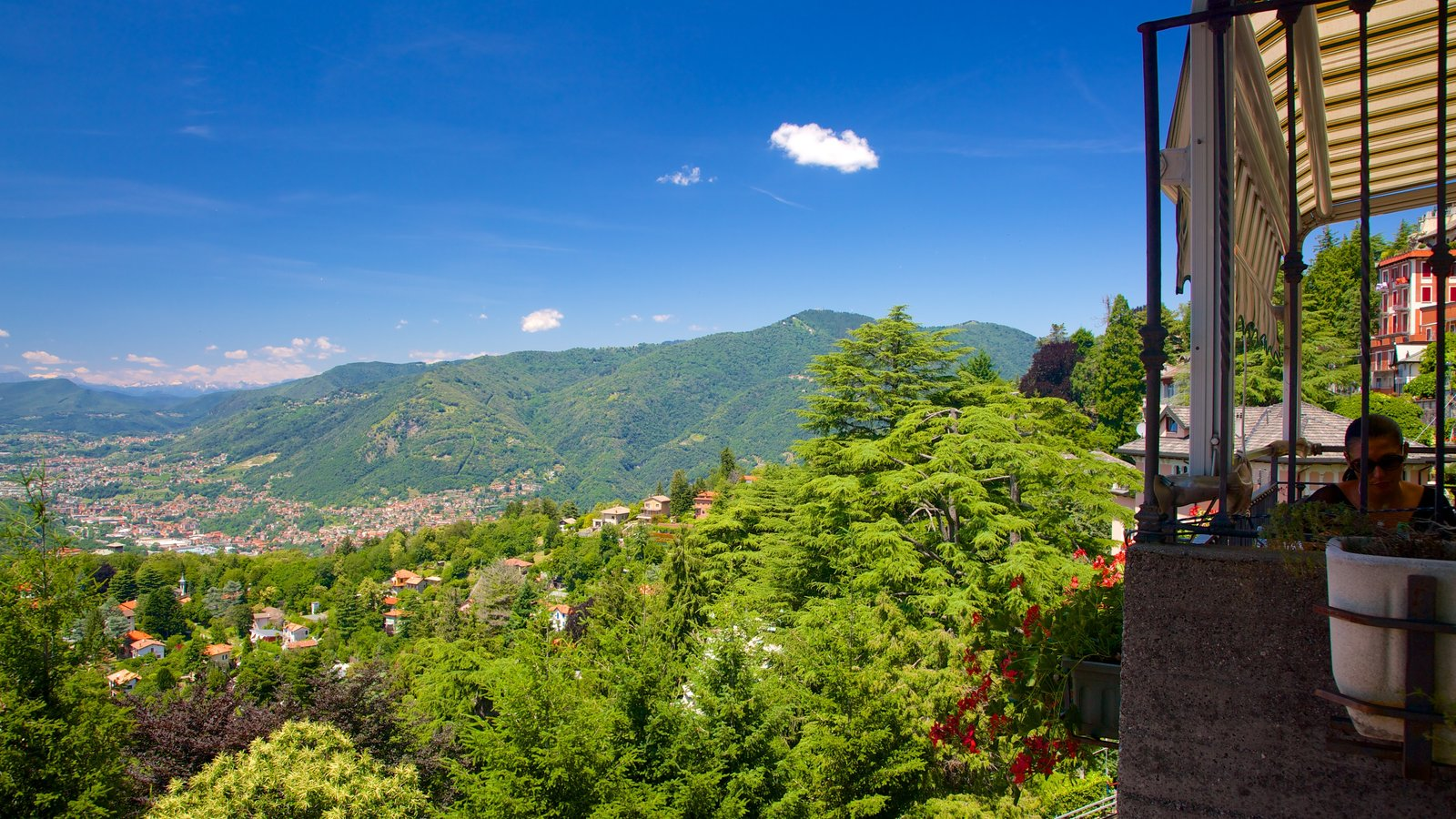 Como-Brunate Funicular featuring tranquil scenes, mountains and views