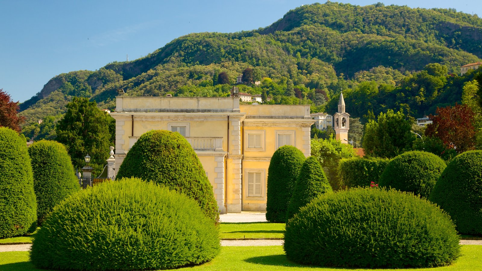 Villa Olmo which includes a garden and heritage elements
