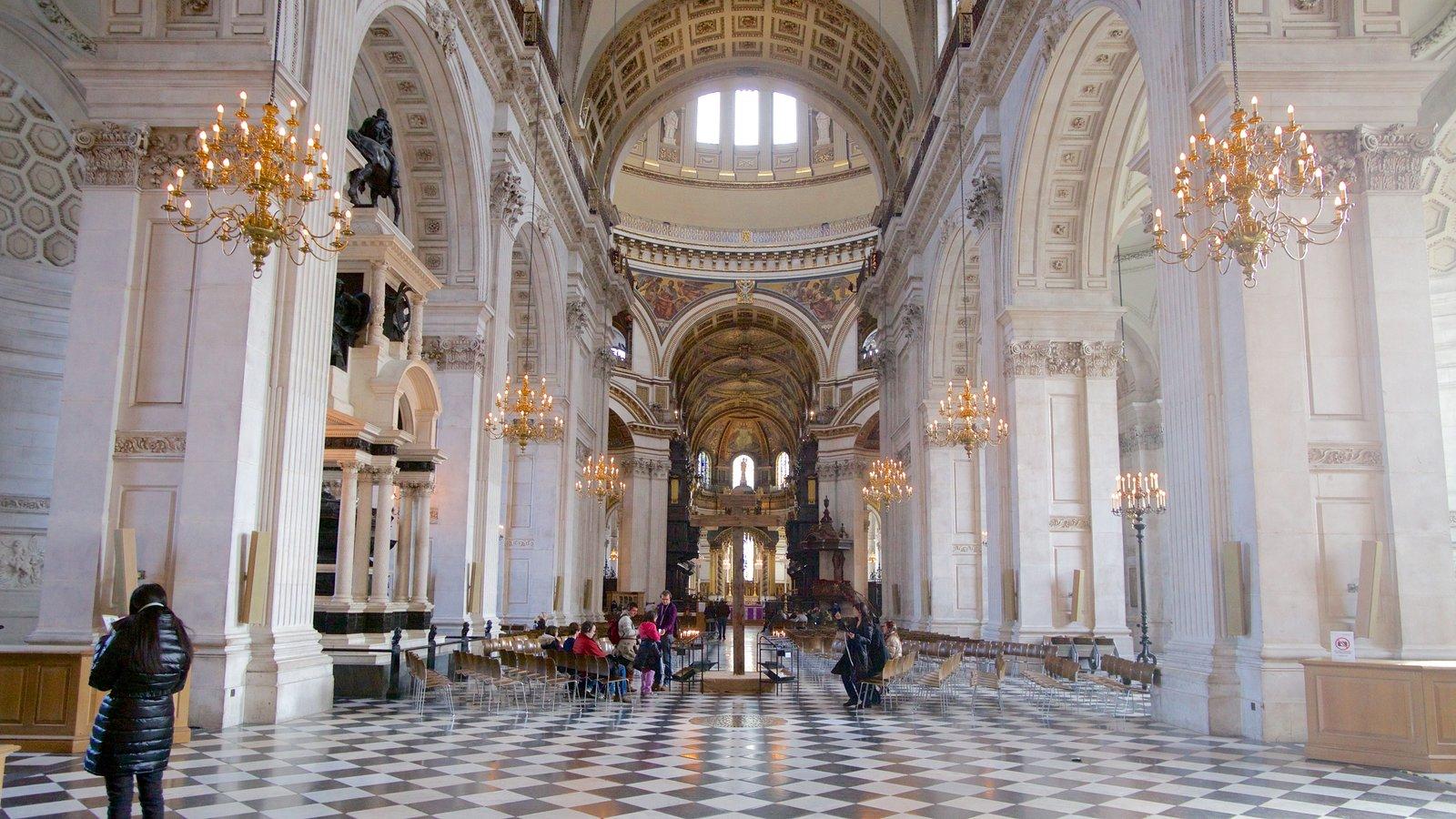 St. Paul\'s Cathedral que inclui uma igreja ou catedral, elementos religiosos e arquitetura de patrimônio