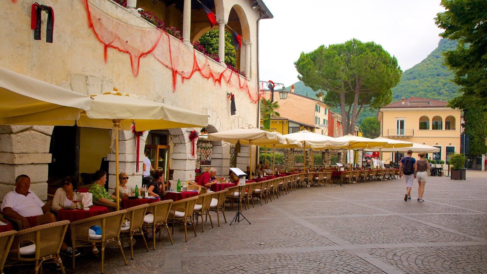 Garda showing outdoor eating