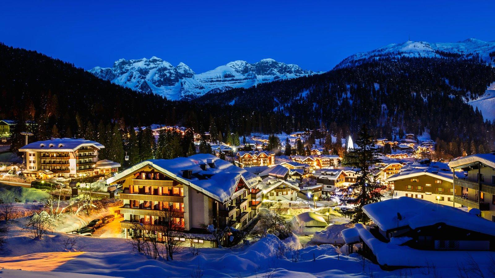 Madonna di Campiglio which includes night scenes, a small town or village and snow