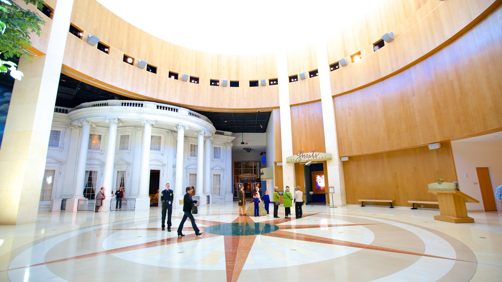 Abraham Lincoln Presidential Library and Museum showing interior views