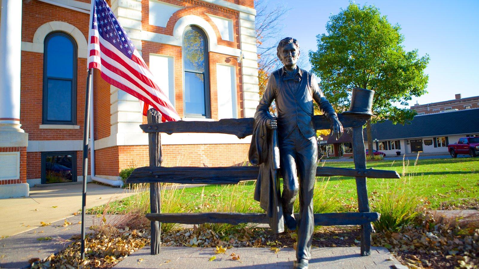 Pontiac mostrando uma estátua ou escultura
