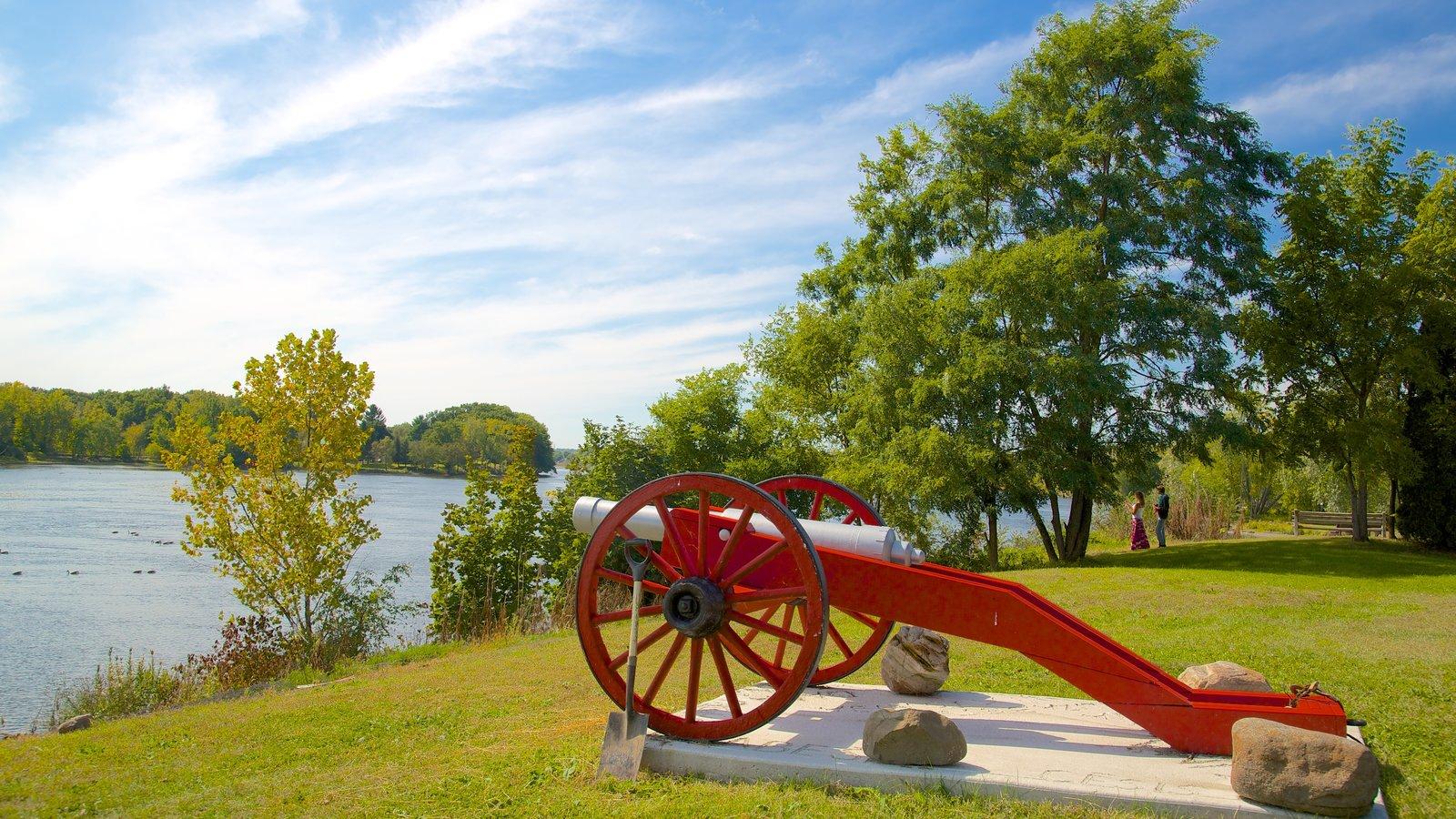Stillwater mostrando un río o arroyo y un parque