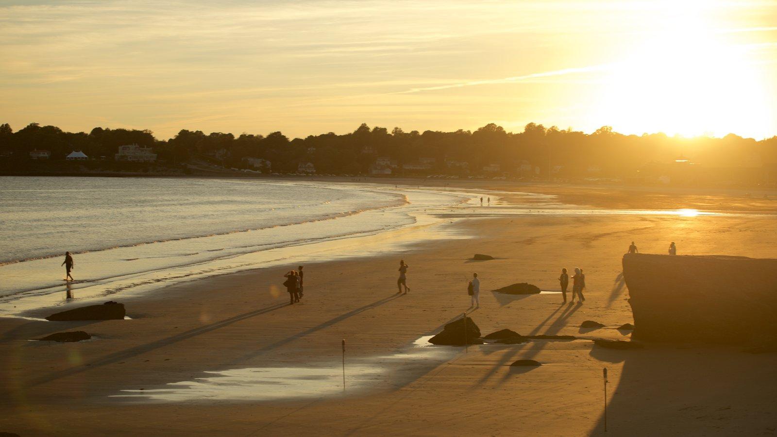 Playa Easton mostrando una playa y una puesta de sol