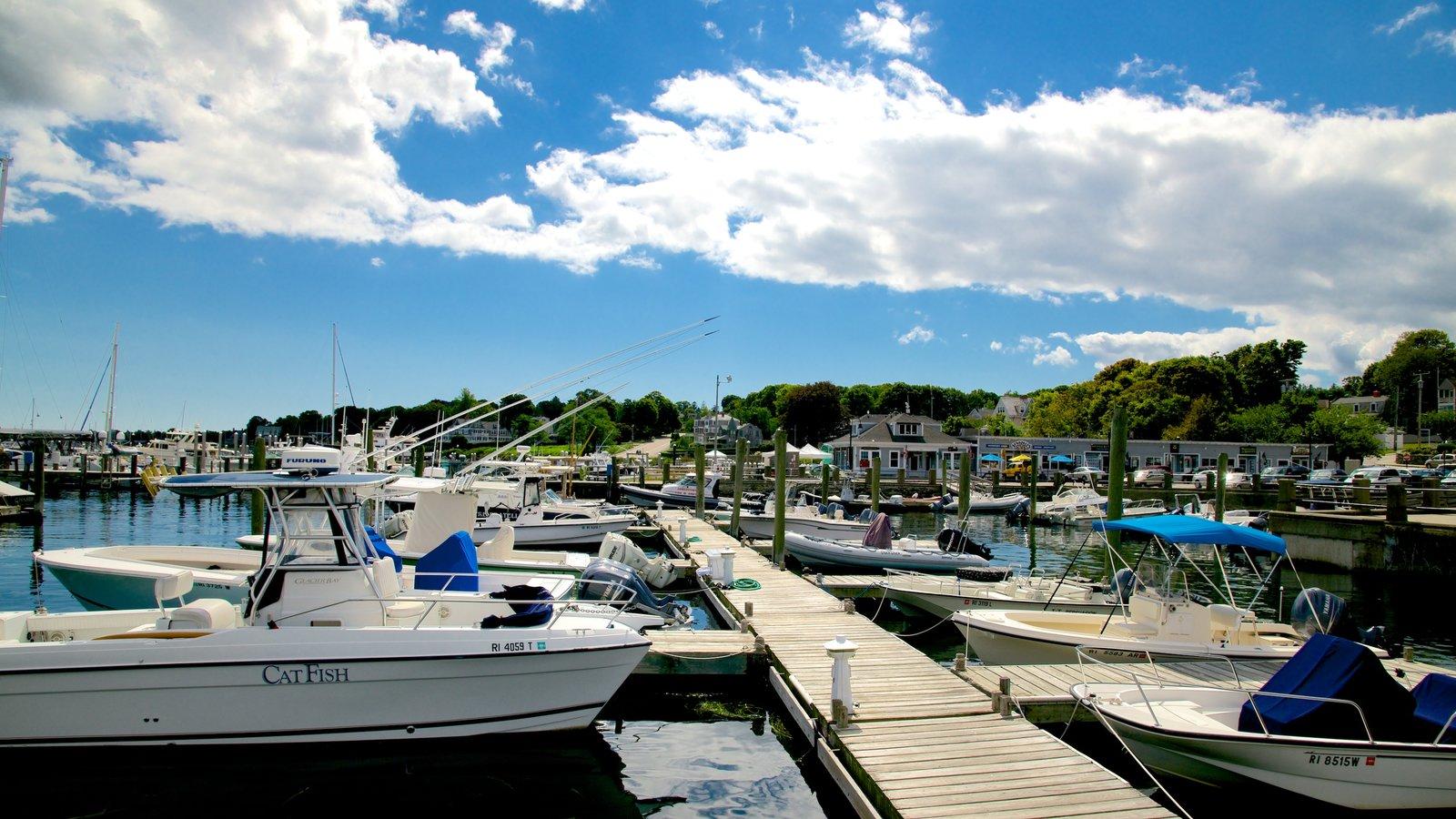 Newport que incluye una bahía o puerto
