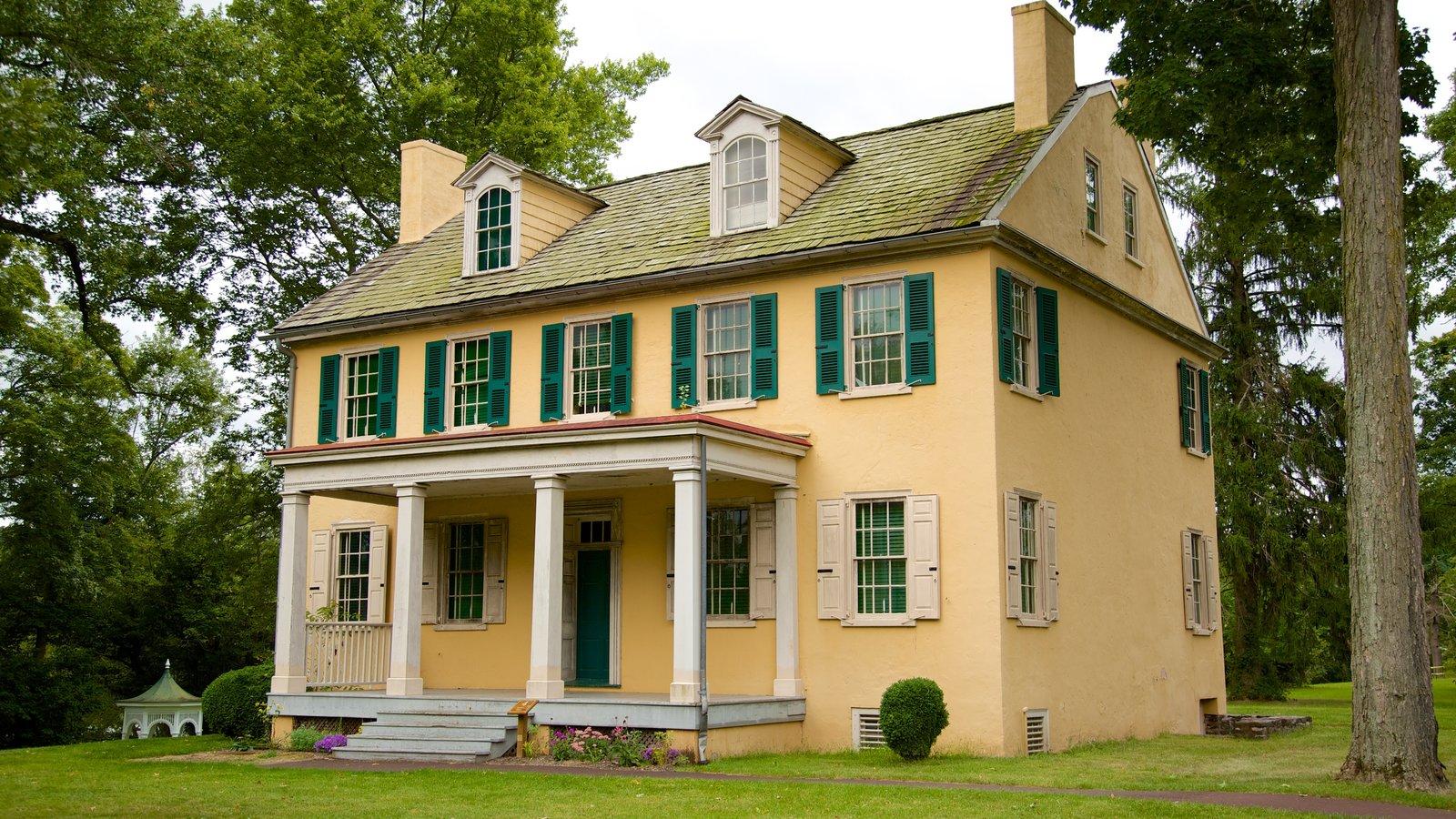 Washington Crossing mostrando patrimonio de arquitectura y una casa