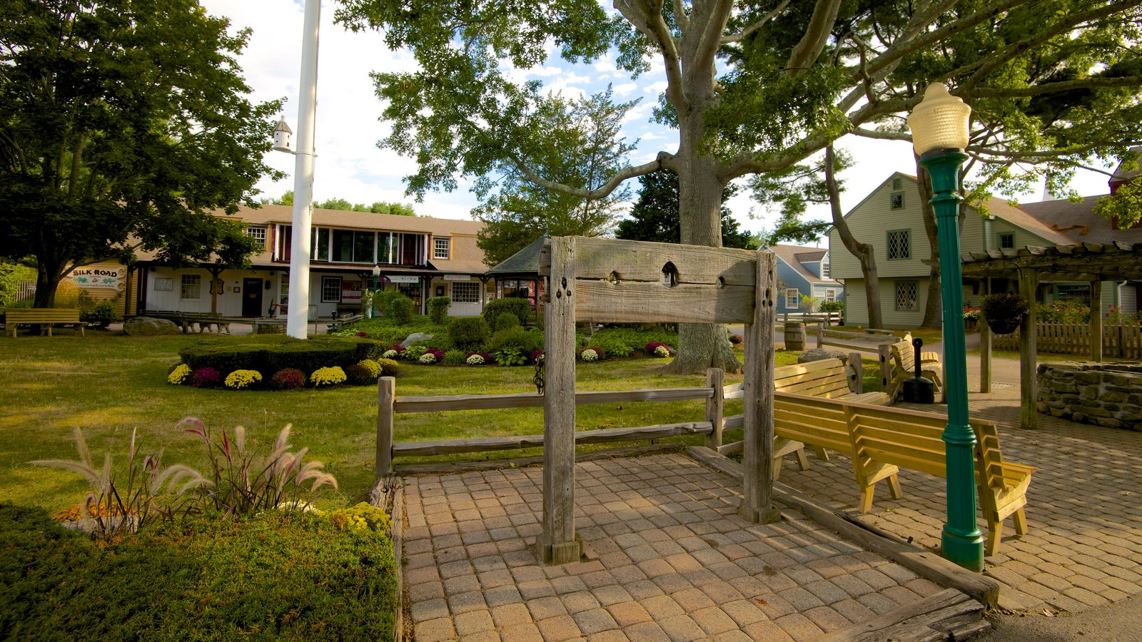 Gardens & Parks Pictures: View Images of Olde Mistick Village
