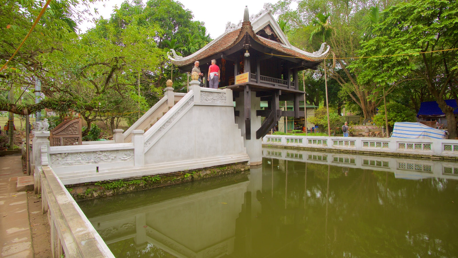 One pillar pagoda pictures view photos images of one for Garden pool hanoi