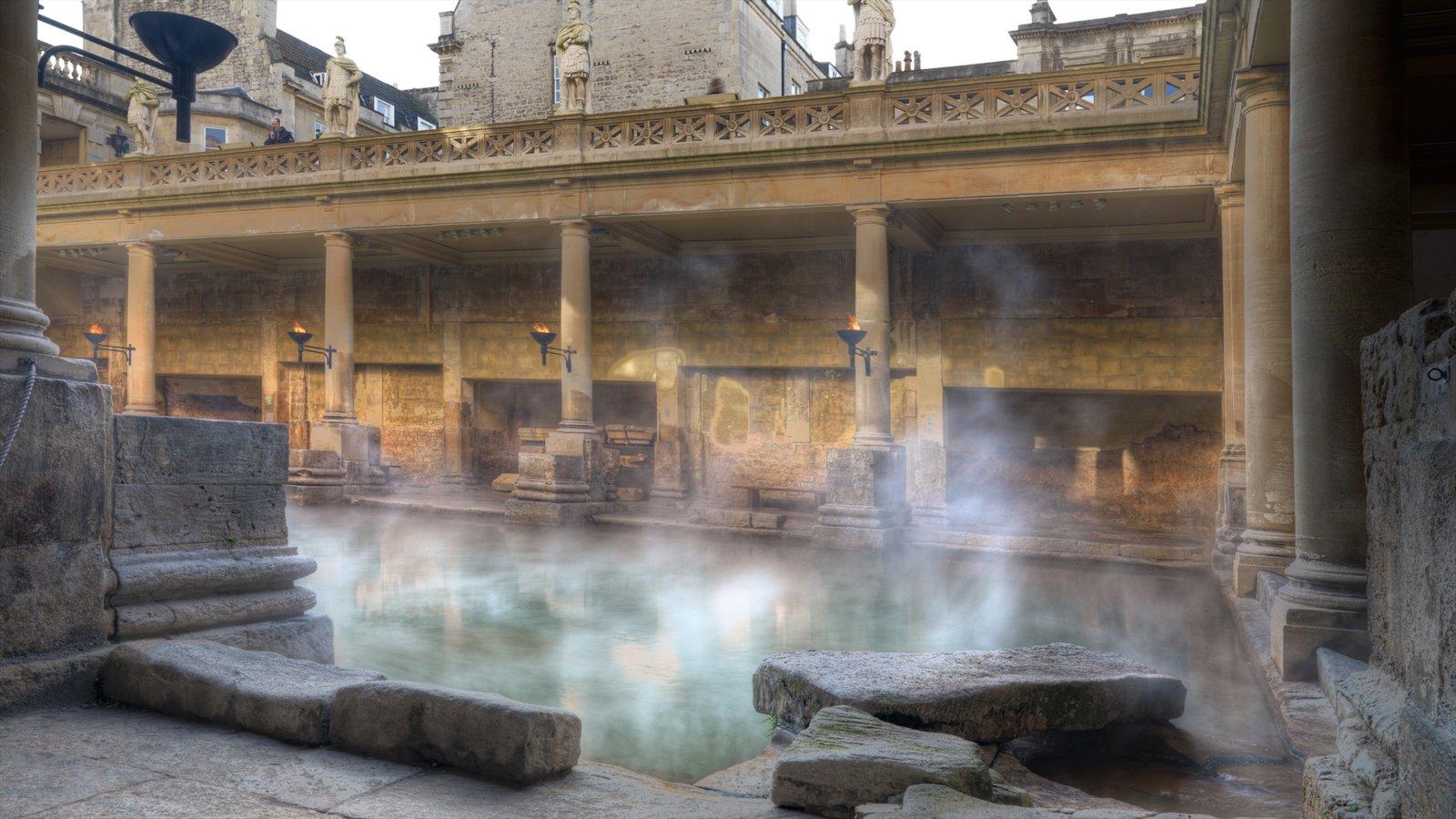 Banhos romanos mostrando uma igreja ou catedral, elementos de patrimônio e uma piscina
