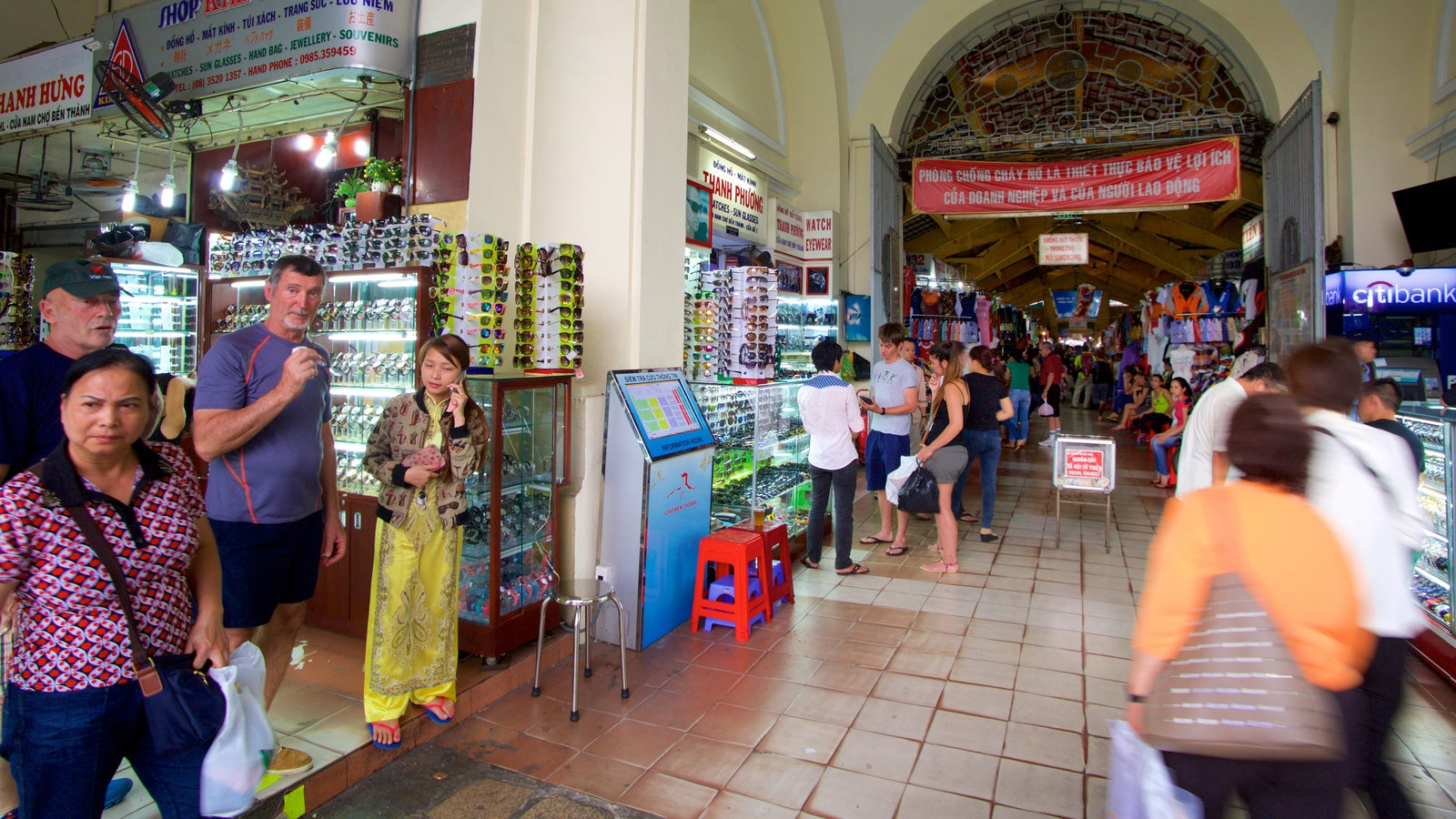 Ben Thanh Market featuring shopping, interior views and markets