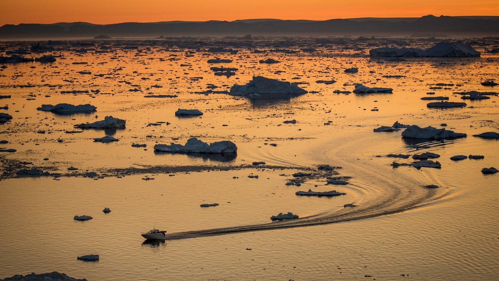 Groenlandia ofreciendo nieve, paseos en lancha y vistas generales de la costa