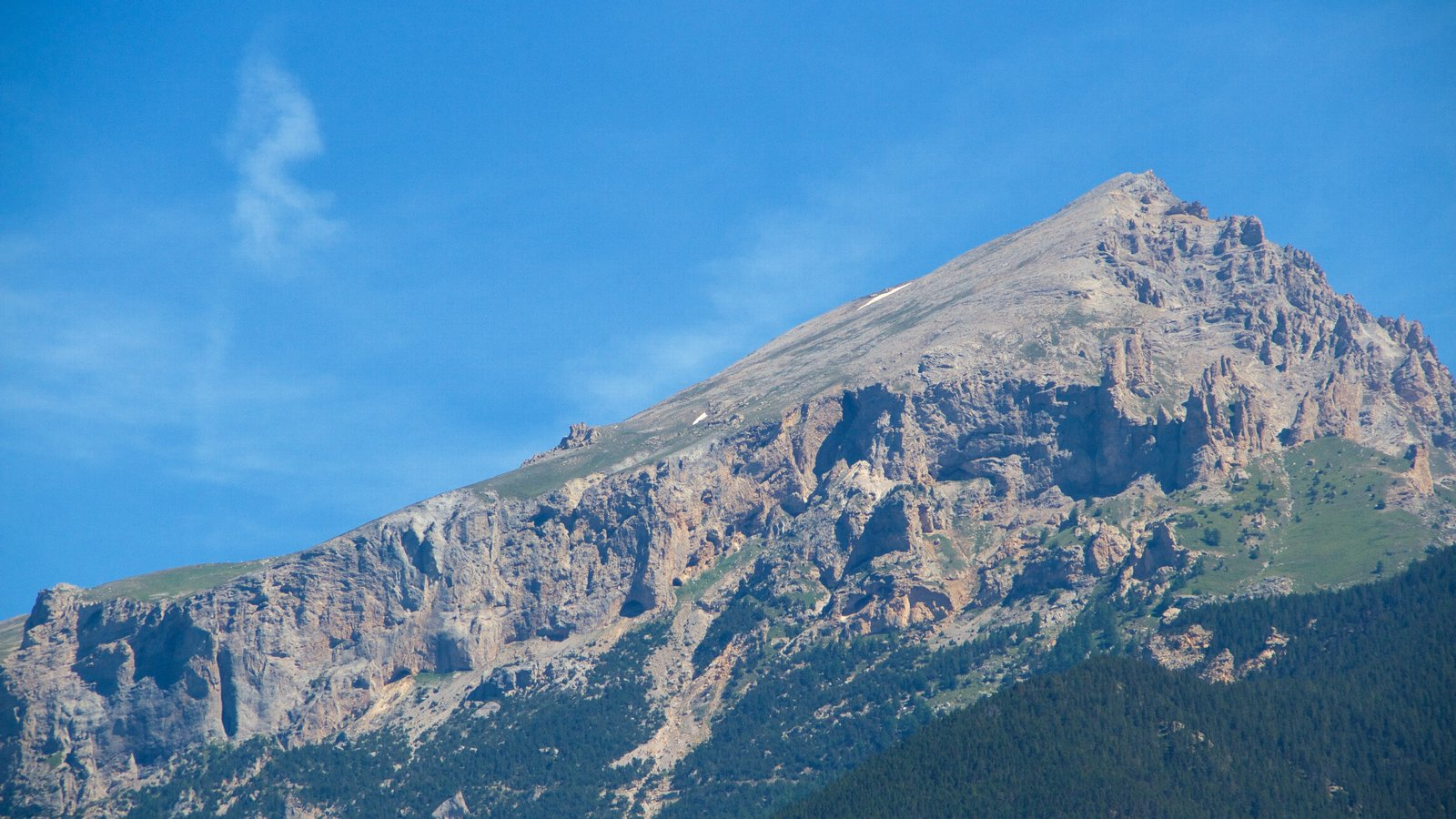 Sauze d\'Oulx ofreciendo montañas
