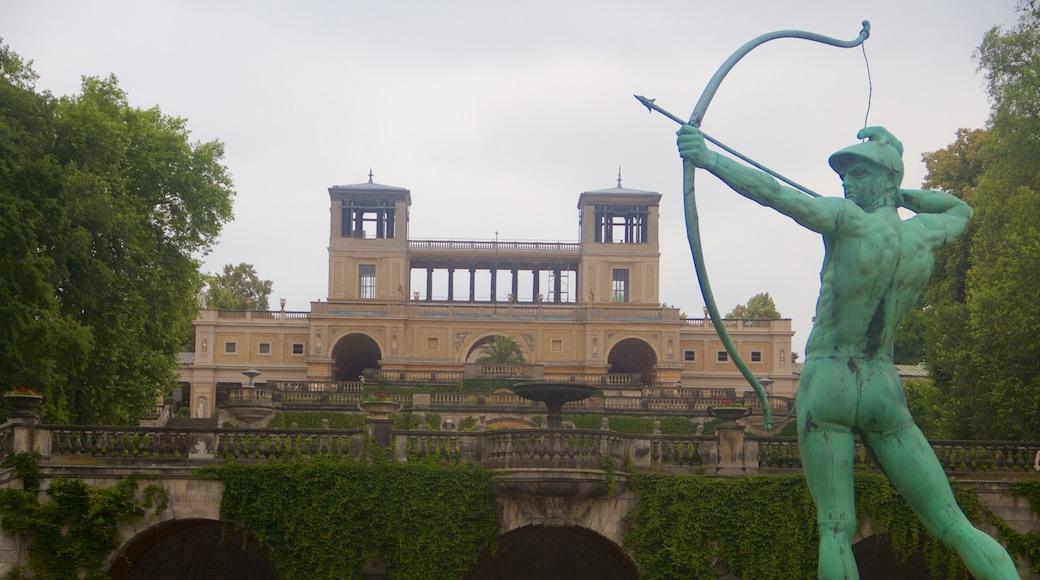 Sanssoucin puisto joka esittää perintökohteet, patsas tai veistos ja vanha arkkitehtuuri