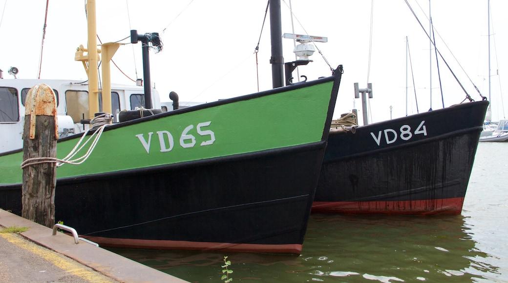 Hafen von Volendam mit einem Bucht oder Hafen und Bootfahren
