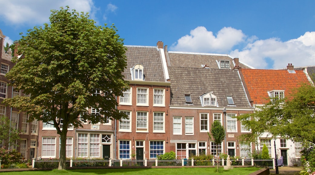 Begijnhof which includes a house