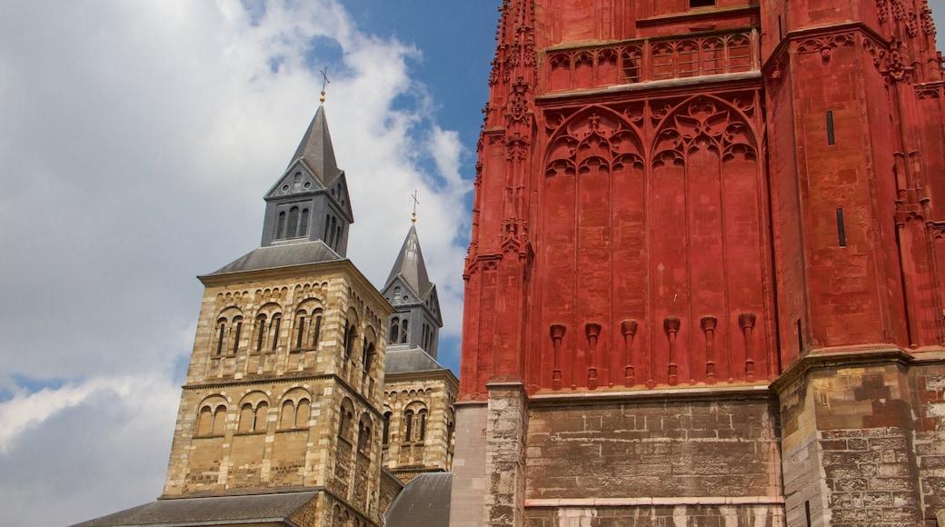 St. Janskerk che include religiosità, chiesa o cattedrale e oggetti d\'epoca