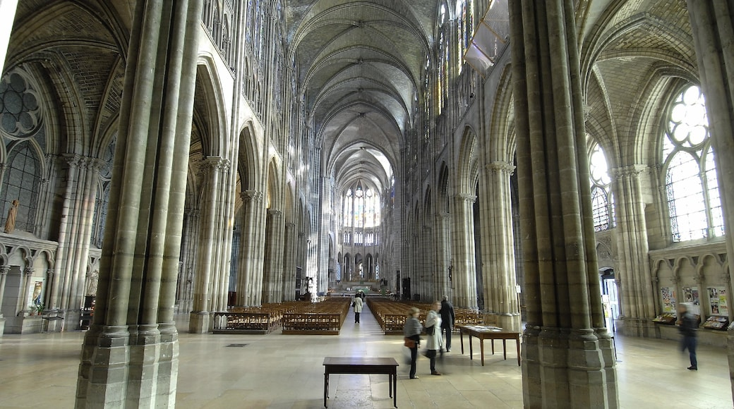 Saint Denis Basilica featuring religious elements, interior views and heritage elements