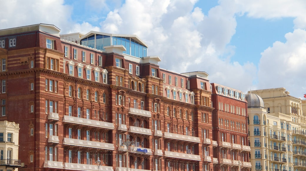 Brighton showing heritage architecture