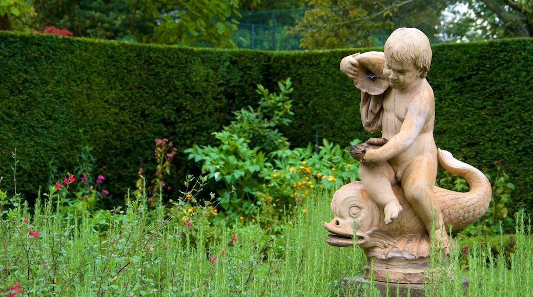 Knole bevat een standbeeld of beeldhouwwerk en een park