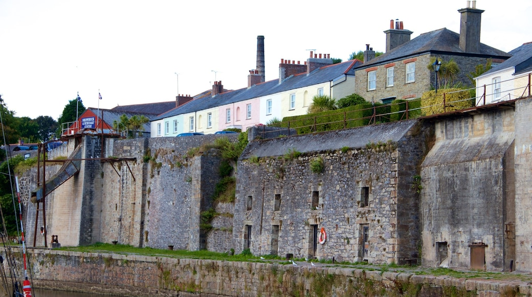 Charlestown showing heritage architecture