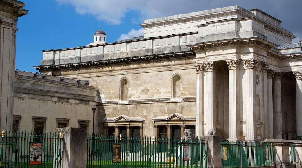 Fitzwilliam Museum featuring heritage architecture and heritage elements