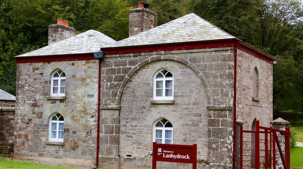Lanhydrock mettant en vedette patrimoine historique et signalisation
